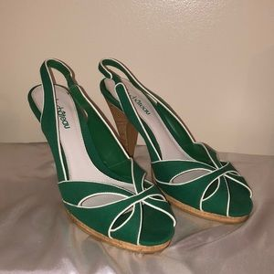 Le Chateau green open toe shoes with cork heel